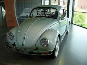 1024px-Volkswagen_Bubbla_sista_bilen