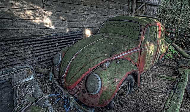 automobili abbandonate